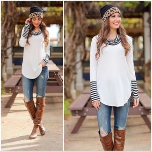 ✨RESTOCKED✨Ivory cowl neck striped Detail tunic